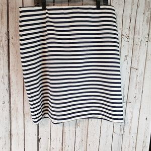 Old navy stretchy blue white  Striped skirt XL